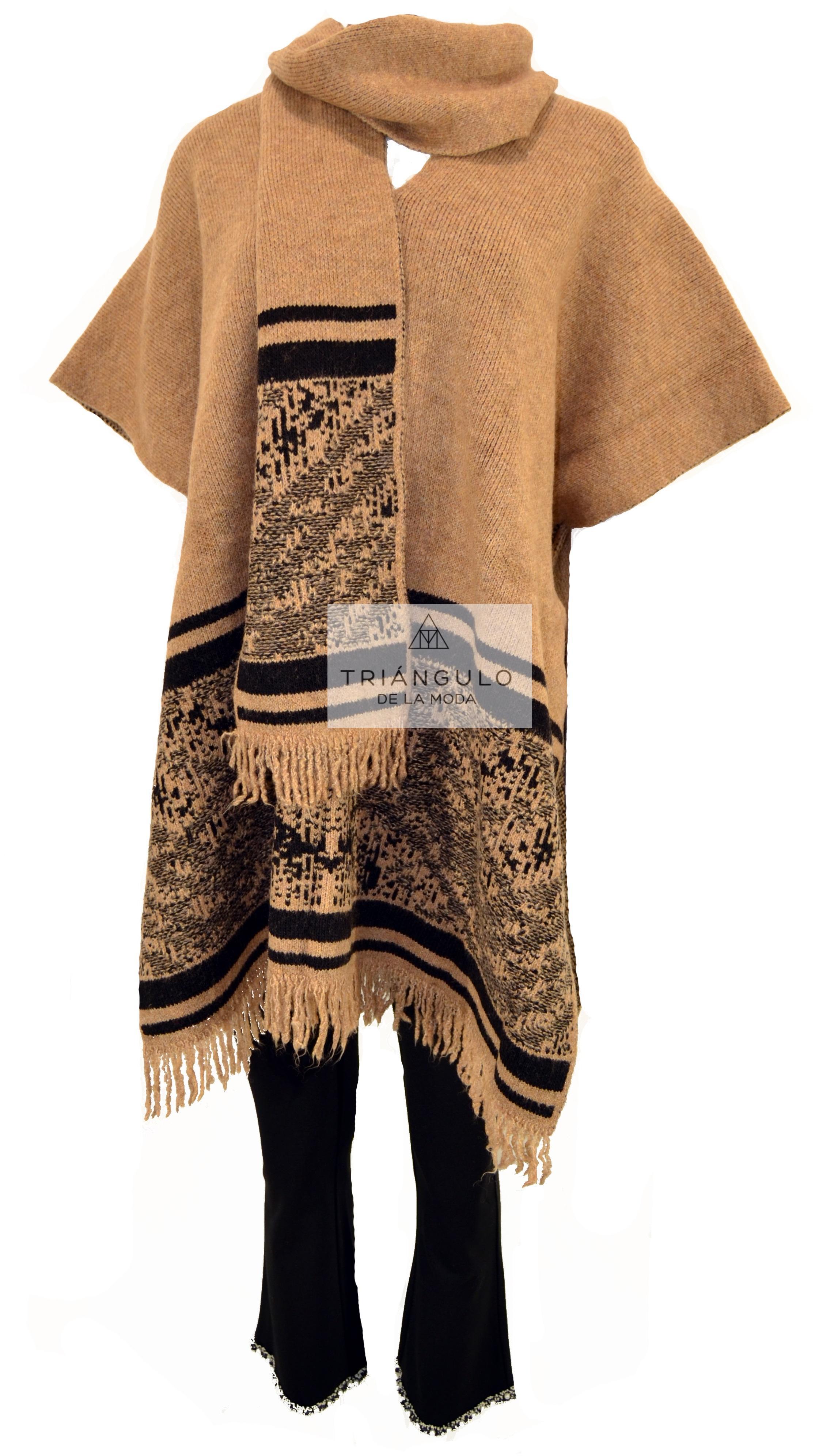 Tienda online del Triangulo de la Moda PONCHO CON BUFANDA
