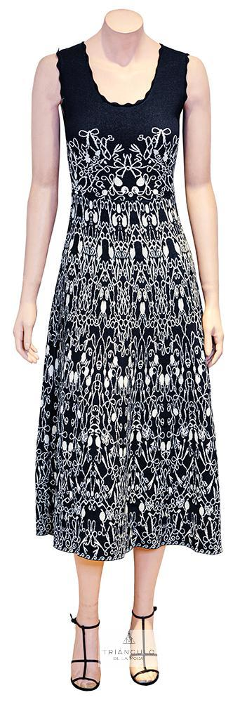 Tienda online del Triangulo de la Moda Vestido en punto con vuelo en jacquard.